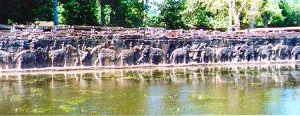 angkor elephant wall